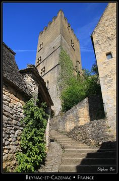 Beynac-et-Cazenac dungeon - Beynac-et-Cazenac, Aquitaine, France Copyright: Stephane Bon France City, La Dordogne, Beaux Villages, French Beauty, October 2014, Paris Street, Palaces, Historical Sites, Villas