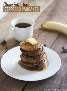 for winter brunches. Gluten Free, Dairy Free, Grain Free (if you use coconut flour), Paleo Friendly Chocolate Chip Espresso Pancakes :) Healthy Breakfast Recipes, Clean Eating Recipes, Brunch Recipes, Breakfast Smoothies, Healthy Recipes, Gluten Free Breakfasts, Gluten Free Recipes, Sem Lactose, Pancakes And Waffles