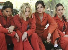 Shay Mitchell (Emily Fields) , Ashley Benson (Hanna Marin) , Lucy Hale (Aria Montgomery) , & Troian Bellisario (Spencer Hastings) - Pretty Little Liars