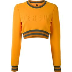 Versus cropped logo sweatshirt (3,310 MXN) ❤ liked on Polyvore featuring tops, hoodies, sweatshirts, sweaters, shirts, long sleeve crop top, white shirt, white long sleeve shirt, white crop shirt and white sweatshirt