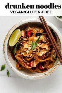 Drunken Noodles Drunken Thai noodles is a easy vegetarian recipe that is full of flavour and easy to make!Drunken Thai noodles is a easy vegetarian recipe that is full of flavour and easy to make! Thai Drunken Noodles, Thai Noodles, Egg Noodles, Zucchini Noodles, Vegetarian Recipes Easy, Cooking Recipes, Healthy Recipes, Drunken Noodles Recipe Vegetarian, Vegan Recipes Rice Noodles