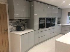Home / Twitter Beautiful Kitchen Designs, Beautiful Kitchens, Oak Doors, Apollo, Kitchen Cabinets, Quartz, Twitter, Home Decor, Interior Design