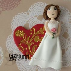 Hi! Here I show you a commission bride I've made this summer.  Hope you like it!  #fimo #polymerclay #premo #sculpey #kato #craft #arcillapolimerica #clay #art #nuriricreations #manualidades #handmade #heart #corazon #bride #novia #Padgram