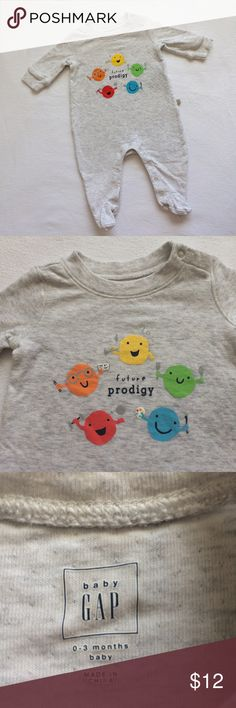 Unisex Baby Gap Gray Future Prodigy 0-3 Months These heathered gray 100% cotton pajamas snap along the legs and at the neck. They have rainbow emojis representing athletics, math , music, culinary arts, and painting. Very good used condition from a smoke free home. GAP Pajamas