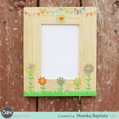 Summer is on it's way and we'll all be busy with our cameras soon!  Create your own Summer Floral Frame with Sizzix Thinlits for your best summer photos.