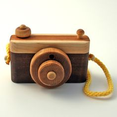 Wooden Camera for the kids (Gotta get Russ on board to make some of these! Exploding Kittens Card Game, Wooden Camera, Wood Projects For Kids, Modern Toys, Craft Stalls, Toy Camera, Woodworking For Kids, Wood Creations, Wood Toys