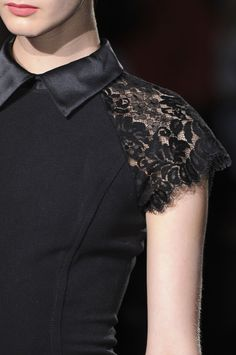 Badgley Mischka at New York Fashion Week Fall 2013 - Livingly Couture Details, Couture Tops, Fashion Details, Love Fashion, Womens Fashion, Kurta Designs, Blouse Designs, Sewing Blouses, Fashion Project