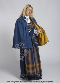 Nordlandsbunad til dame - BunadRosen AS Folk Costume, Costumes, Bergen, Traditional Dresses, Norway, Sweden, Kimono Top, Vest, Culture