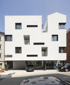 Gap House is a minimalist residence located in Gyeonggi-do,...