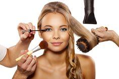 || 8 Biggest Makeup Mistakes That Age You || queenbbrushes.com/ || #queenbbrushes #makeupbrushes #powderbrushes #makeupbrushset #beauty #makeup #cosmetics #fabulous #fabulouswomen #moderndaywomen #womentoday #glam #glamorous #giftforher