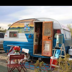 Vintage Trailer Glamping Club/SOTF Like the mural above the original paint job