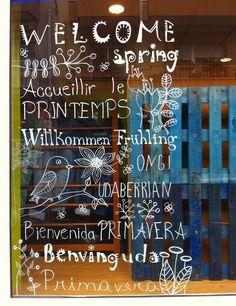 CREATIVA BUSCA PROYECTO: Pintada en el vidrio de CARAMELS para dar la bienvenida a la Primavera