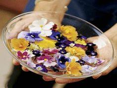 fad med spiselige blomster
