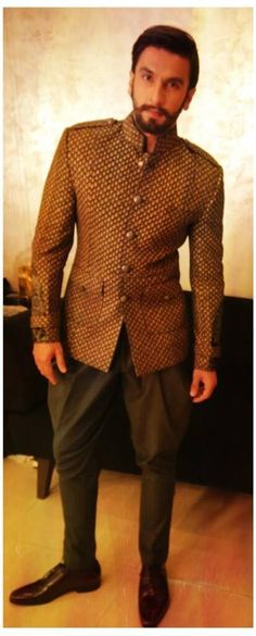 I like this, not a fan of Indian clothes for men. They're kinda too much