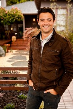 """If you enjoyed tonight's #pintour, don't miss another chance to explore #HGTVDreamHome 2015! Join John Gidding (along with @mattjmuenster ) for an inside look behind the build of this year's gorgeous get-away. The """"HGTV Dream Home 2015"""" special airs New Years Day at 8pm 