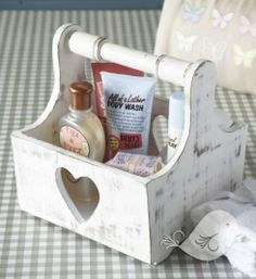 Vintage Heart Design Trug / Wooden Basket by Retreat Home, the perfect gift for Explore more unique gifts in our curated marketplace. Wood Projects, Woodworking Projects, Wood Crafts, Diy Crafts, Wooden Basket, Vintage Heart, Shabby Chic Kitchen, Do It Yourself Home, Decoration
