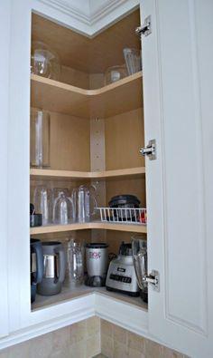 ideas kitchen corner cabinet organization upper for 2020 Kitchen Cabinet Organization, Kitchen Cabinet Design, Kitchen Interior, Cabinet Ideas, Cabinet Organizers, Cupboard Ideas, Cabinet Storage, Cabinet Styles, Kitchen Corner Cupboard