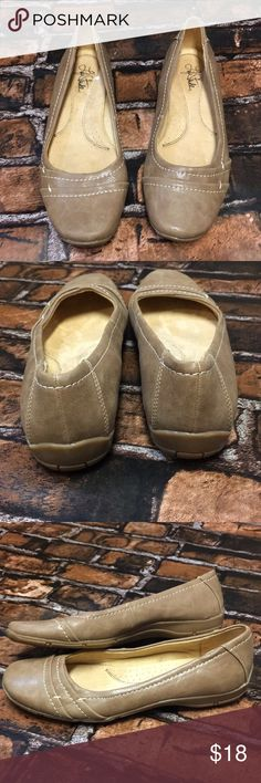 Life Stride Flats Brown flats with cream stitching. Good condition Life Stride Shoes Flats & Loafers