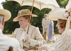 Dame Maggie Smith thinks a Downton Abbey film would start with the Dowager Countess' funeral  - DigitalSpy.com #