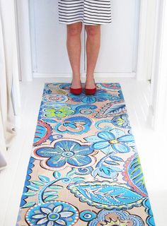 Love this painted hallway by Alisa Burke    http://www.google.com/reader/view/feed/http%3A%2F%2Falisaburke.blogspot.com%2Ffeeds%2Fposts%2Fdefault