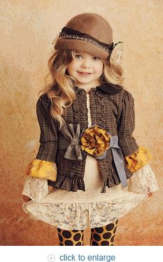 have you ever seen a more adorable outfit? didn't think so. from littlelunablue.com
