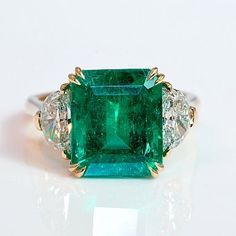 Exceptional Columbian Emerald and Diamond Ring | Keil's Antiques | New Orleans | Since 1899