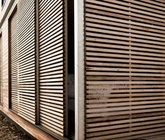 postigos corredizos_ Linear House by Architects EAT