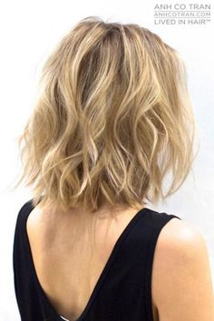Shorter hair allows you to play around with texture. For your prom hairstyle, try some beachy waves for an effortless look on prom night.