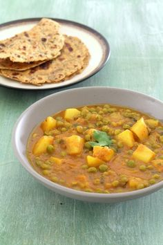 Aloo matar recipe, Punjabi style Aloo matar recipe - This is punjabi style of making aloo mutter gravy. This is made in pressure cooker only. Aloo Recipes, Veg Recipes, Curry Recipes, Indian Food Recipes, Cooking Recipes, Healthy Recipes, Punjabi Recipes, Indian Foods, Healthy Dinners