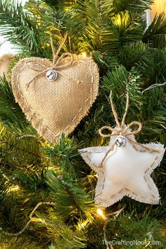 DIY rustic Burlap christmas tree ornaments christmas decorations rustic Simple Crafts For The Perfect Rustic Christmas Decor Burlap Christmas Ornaments, Easy Christmas Crafts, Simple Christmas, Christmas Trees, Natural Christmas Ornaments, Christmas Cards, Hallmark Christmas, Magical Christmas, Xmas