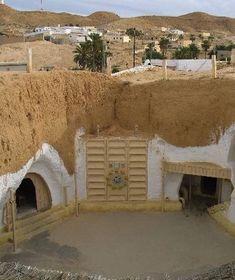 Tunisian ground dwellings.