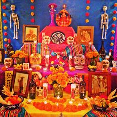 day of dead decorations Halloween 2019, Halloween Crafts, Halloween Decorations, Halloween Party, Day Of The Dead Diy, Day Of The Dead Party, Day Of Death, Altar Decorations, Trunk Or Treat