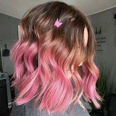 💖💕 @ha1r.by.tay used Virgin Pink and Frosé to create this look