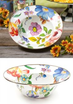 It's the perfect bowl for your ultimate garden salad. Ceramic Tableware, Ceramic Bowls, Ceramic Pottery, Pottery Art, China Painting, Ceramic Painting, Painted Clay Pots, Flower Market, China Porcelain