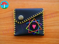 Small Leather Wallet, Leather Keychain, Leather Art, Vintage Leather, Diy Coin Purse, Wallet With Coin Pocket, Utility Pouch, Leather Diy Crafts, Patchwork Bags