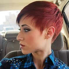 Love the colour of this fab pixie cut! Edgy Short Hair, Edgy Hair, Short Hair Cuts, Short Hair Styles, Pixie Hairstyles, Pixie Haircut, Short Hairstyles For Women, Hair Dye Colors, Hair Color