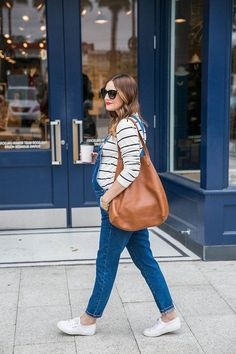 Maternity trends to look wonderful #maternitystyle #pregnancy #momstyle mama style, fashion, pregnancy look. Visit www.circu.net