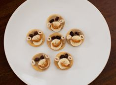 If your little monkey is always clamoring for a snack, then this ABC Snack is just what the monkey ordered!