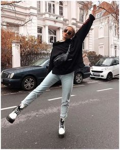 70 winter outfits with doc martens 14 Dr Martens Outfit, Doc Martens Style, Classy Outfits, Trendy Outfits, Cool Outfits, White Doc Martens, Estilo Rock, Mein Style, Lookbook