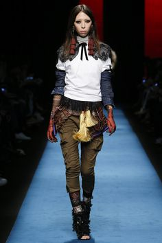 Dsquared2 Fall 2016 Ready-to-Wear Fashion Show - Issa Lish