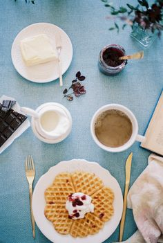 Healthy Spelt Waffles with whipped ricotta with honey* Waffles ...
