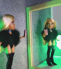 Bratzzzz like me Bratz Doll Makeup, Bratz Doll Outfits, Black Bratz Doll, Fille Gangsta, Brat Doll, Bratz Girls, Fashion Dolls, Fashion Outfits, Bad Girl Wallpaper