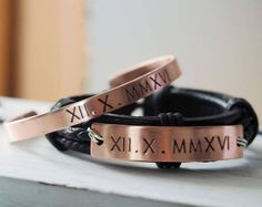 Conjunto de pulseras parejas personalizado, parejas regalos, pulseras número romano, novio pulsera, pulsera de novia, regalos personalizados