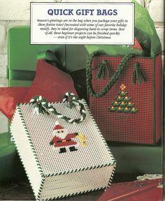 36 Deck the Halls in Plastic Canvas Book 3 Quick Gift bags Plastic Canvas Books, Plastic Canvas Ornaments, Plastic Canvas Crafts, Plastic Canvas Patterns, Plastic Canvas Christmas, Christmas Bags, Christmas Crafts, Christmas Ornament, Diy Bags Purses