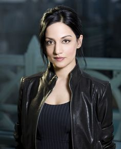 Archie Panjabi The Good Wife Kalinda Sharma Black Leather Jacket Here we have something very different for our female customers who adapt simplicity British Actresses, Actors & Actresses, Archie Panjabi, Eleanor Of Aquitaine, Beautiful People, Beautiful Women, Beautiful Goddess, Beautiful Gorgeous, Good Wife