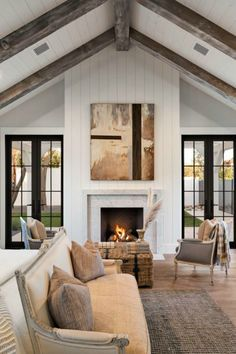 Black & White Modern Farmhouse Meets Classic Tudor Style in Arizona HELLO LOVELY, beautiful design inspiration from Jaimee Rose Interiors in this celebration of black & white modern farmhouse style in Arizona. Modern Farmhouse Interiors, Modern Farmhouse Design, Farmhouse Kitchens, Modern Design, Farmhouse Bedrooms, Farmhouse Ideas, Farmhouse Chic, Bedroom Fireplace, Style At Home
