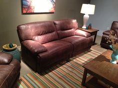 Large leather sofa by Flexsteel Furniture. // www.KeyHomeFurnishings.com