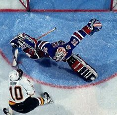 We love the NHL !
