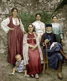 Greek Traditional Dress, Traditional Outfits, Old Greek, Greek Culture, Folk Dance, Folk Costume, Greek Mythology, Crete, Old Photos