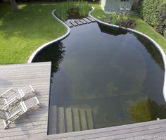 Deze zwemvijver werd prachtig geïntegreerd in een totaal project dat getekend werd door tuinarchitect Wirtz.Droomt U ook van een zwemvijver?Vraag uw offerte